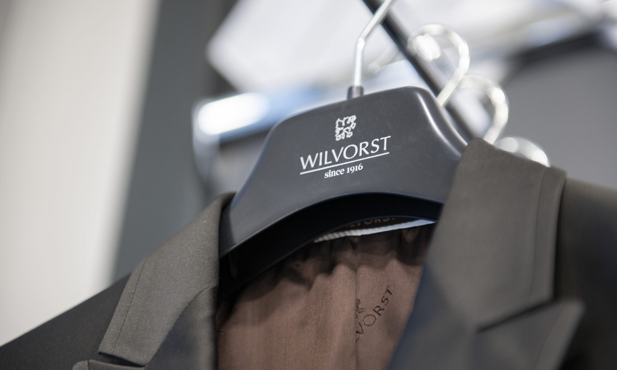 Hochzeitsanzug von Wilvorst bei Betschart Herrenmode